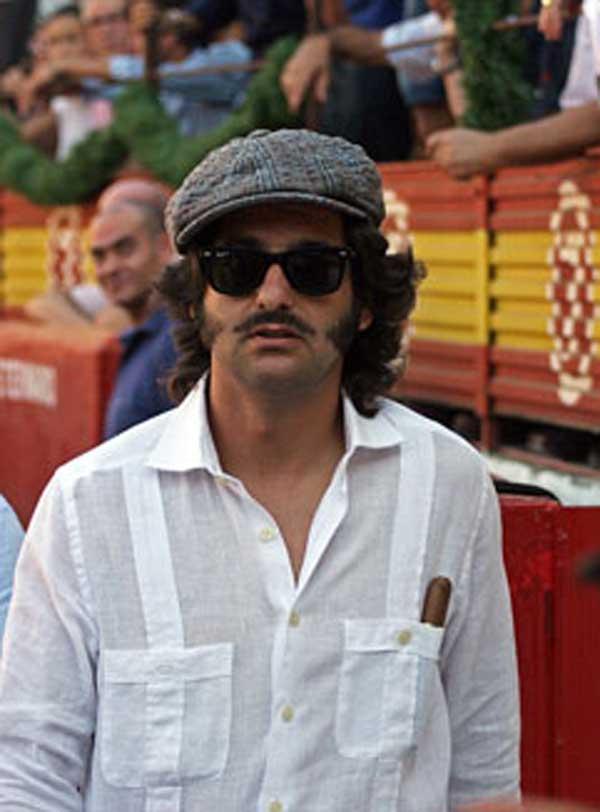 El nuevo look de Morante con bigote, en el callejón ayer en Mérida (FOTO: Alfonso Plano/badajoztaurina.com)
