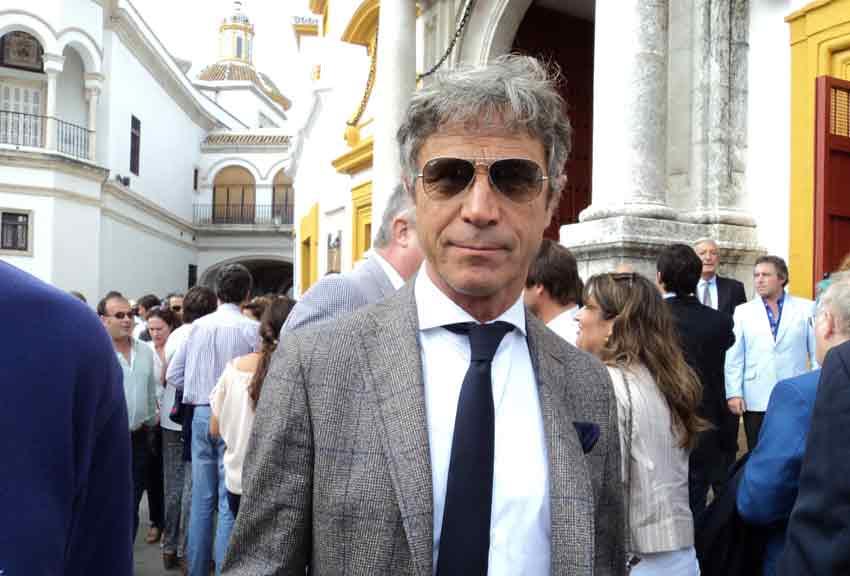 Roberto Domínguez.