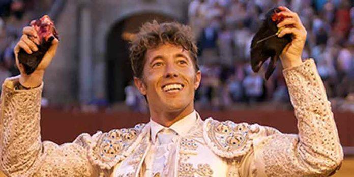 Manuel Escribano, la cara del triunfo en la Feria de Abril de este año. (FOTO: lamaestranza.es)