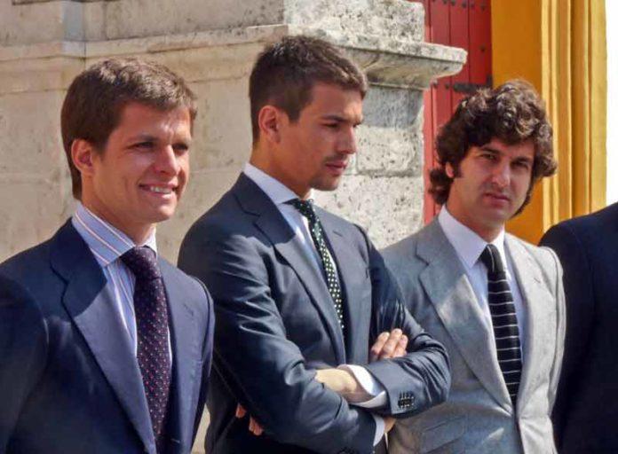 El Juli, Manzanares y Morante, junto a Talavante y Perera, quieren torear en la próxima Feria de Abril, pero no lo harán si al frente de la plaza continúan Eduardo Canorea y Ramón Valencia.