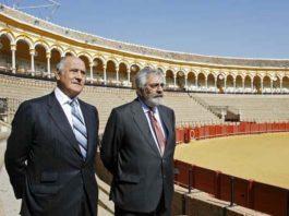 La polémica centra las gestiones de los empresarios Ramón Valencia y Eduardo Canorea al frente de la Maestranza.