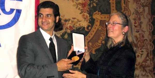 Acto de entrega de la Medalla de Honor del Club Taurino de New York a Morante de la Puebla.