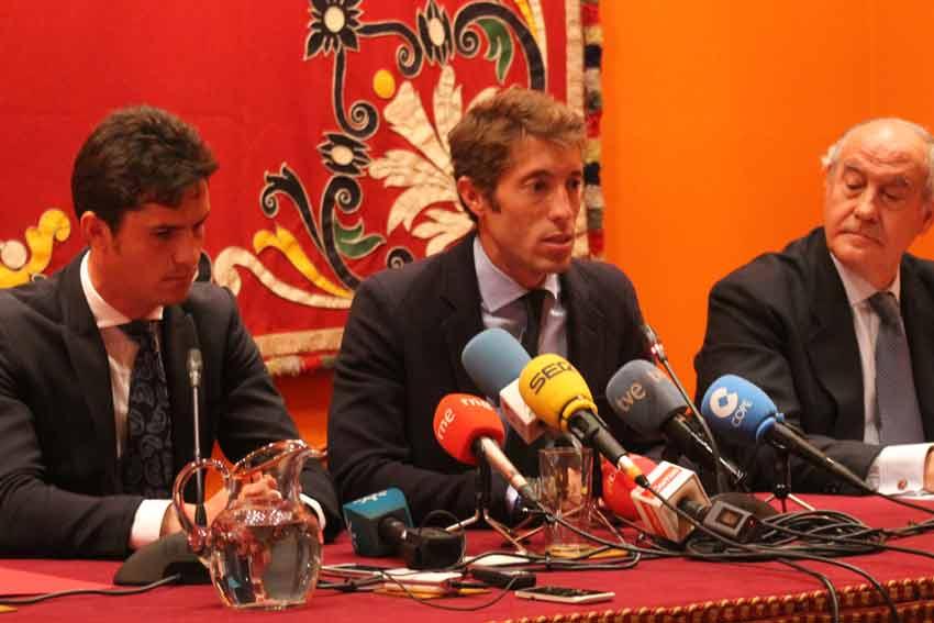 Luque, Escribano y Valencia.