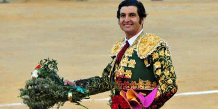 Morante, en la vuelta al ruedo hoy en Castellón. (FOTO: Alberto de Jesús/mundotoro.com)