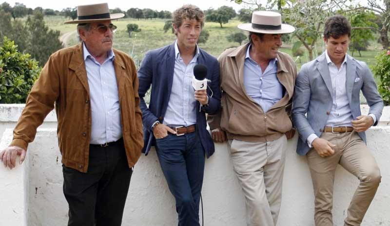 Los toreros y ganaderos.