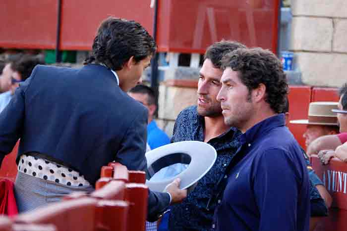 Brindis a los hermanos José Luis y Abraham Neiro.