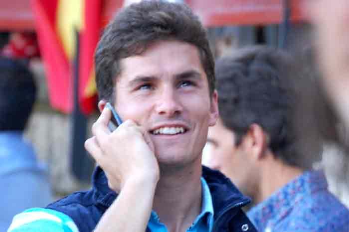 Daniel Luque siguiendo a su paisano Juan Ginés.