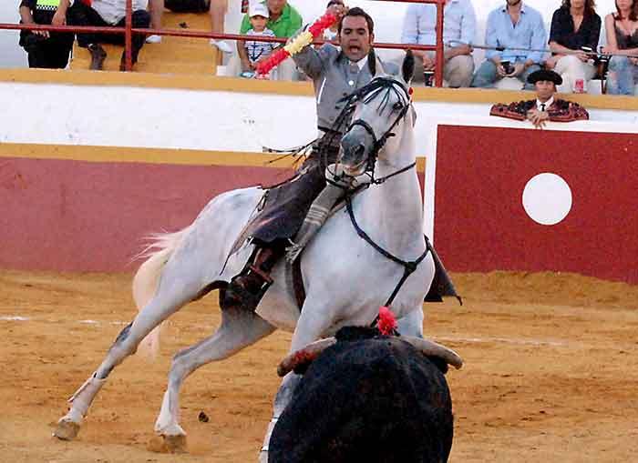 El rejoneador Pablo Ramos.