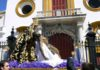 Las imágenes titulares del Baratillo en un traslado frente a la plaza de toros de Sevilla.