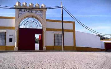 Plaza de toros sevillana de Alcalá del Río.