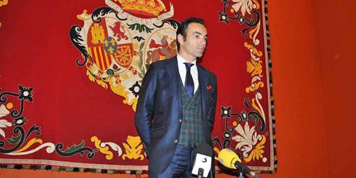 El Cid, con dos paseíllos (uno con seis toros de Victorino Martín como único espada), sevillano protagonista en Las Ventas.