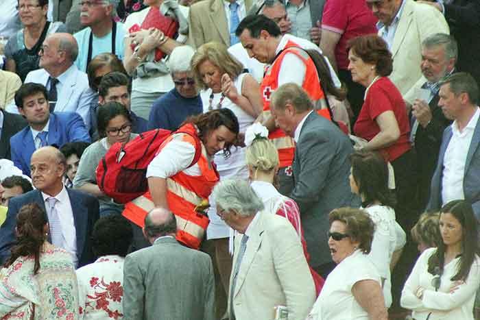 Asistencia de la Cruz Roja.