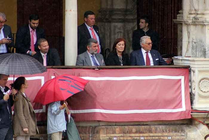Las decisiones de la presidenta Anabel Moreno, otra vez discutidas.