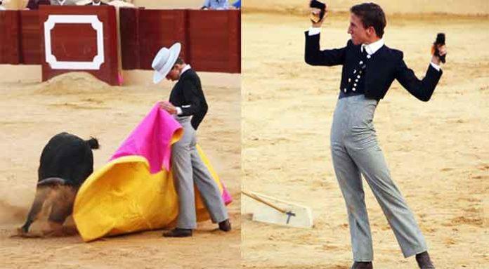 El sevillano Calerito manejando el capote esta tarde en Osuna y con las dos orejas de su astado. (FOTOS: Sevilla Taurina)