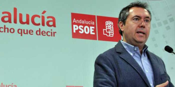 El alcade socialista de Sevilla, Juan Espadas, y su ambigüedad respecto a los toros.