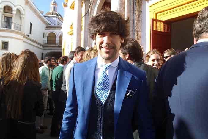El cantante Manuel Lombo, buen aficionado a los toros.