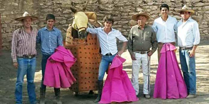 El sevillano Lama de Góngora, en un tentadero en el campo mexicano.