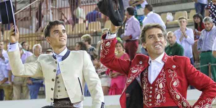 El sevillano Manuel Moreno y Hermoso de Mendoza, a hombros hoy en Lucena. (FOTO: Marta Verdugo)