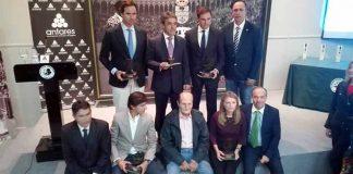 Los premiados con los trofeos taurinos 'Juan Belmonte 2016'.