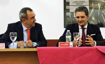 El diestro cordobés Chiquilín, junto al periodista taurino Juan Antonio Jiménez.