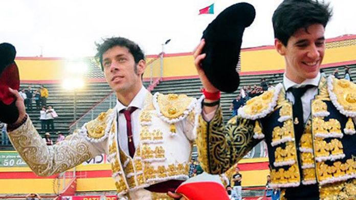Antonio Nazaré y Esaú Fernández, a hombros en Mérida (Venezuela).
