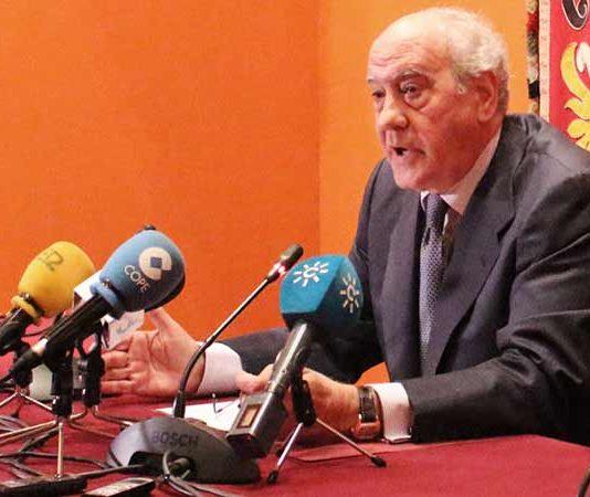 Ramón Valencia y sus explicaciones.