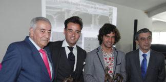 El doctor Ramón Vila, Jaime Padilla, Morante y el doctor Octavio Mulet. (FOTO: José Ángel García / Diario de Sevilla)