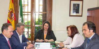 La reunión de la delegada de la Junta de Andalucía en Sevilla, Esther Gil, con los cuatro presidentes de la Maestranza, celebrada en Sevilla a espaldas de la prensa.
