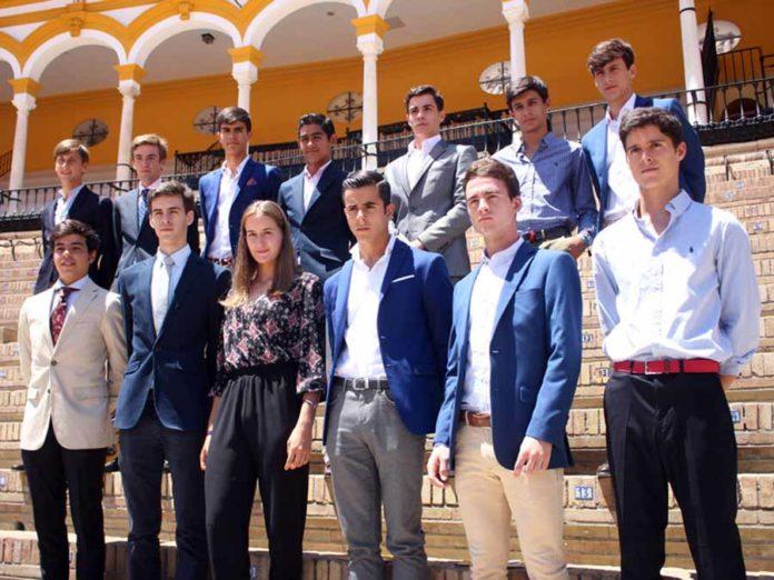 Varios de los novilleros que competirán en julio en la Maestranza.