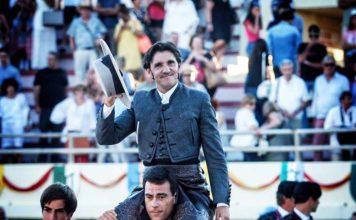 Diego Ventura, a hombros hoy viernes en la plaza francesa de Ceret.