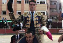 Utreros de Jandilla, de buen juego. Juan Manuel Munera, oreja y dos orejas; Manuel Moreno, vuelta al ruedo y dos orejas; y Sebastián Fernández, dos orejas en ambos.